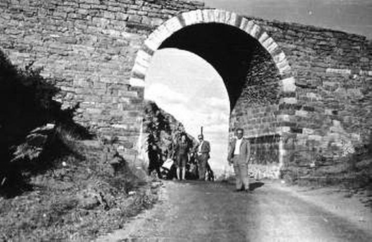 Η παλιά γέφυρα στην αυχενοδιάβαση
