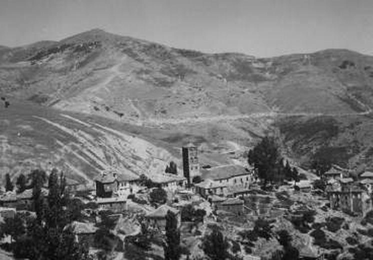 Ευδιάκριτες οι πυρπολημένες οικίες της συνοικίας Αγίου Δημητρίου
